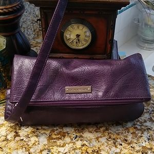 ❤️ beautiful deep plum Sofia Vergara purse